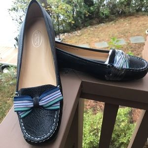 Talbots blue leather flats with ribbon bow accents